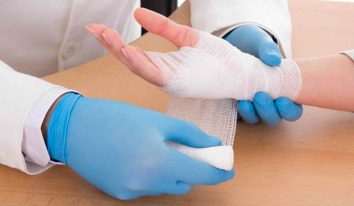 How Plastic Surgery Can Treat Hand Burns
